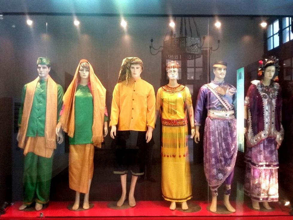 Sekilas Tentang Museum Kota Makassar Bukan Pajokka Depan Dipasang Anjungan