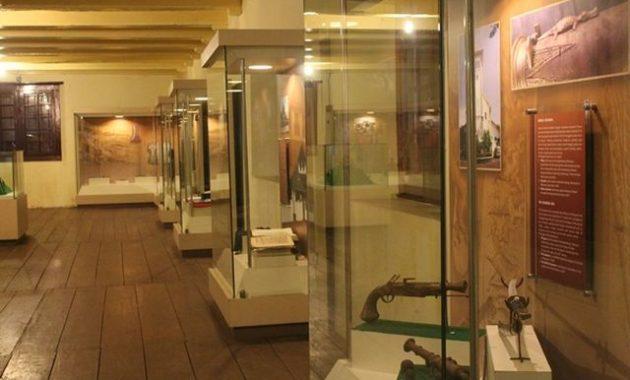10 Gambar Museum La Galigo Makassar Lokasi Alamat Jam Buka