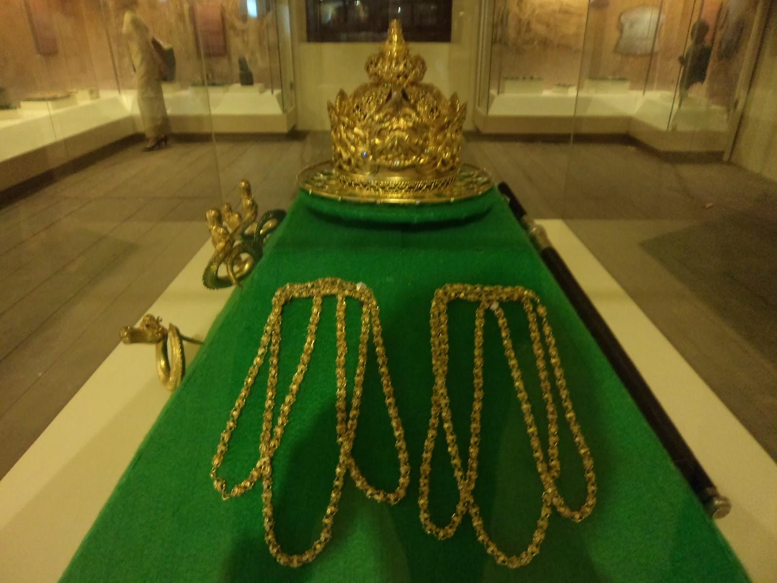 Museum La Galigo Makasar Wisata Kerja Indonesia Mahkota Raja Kota