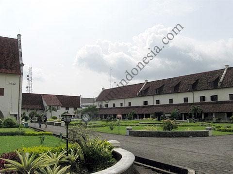 Museumindonesia Museum La Galigo Kota Makassar