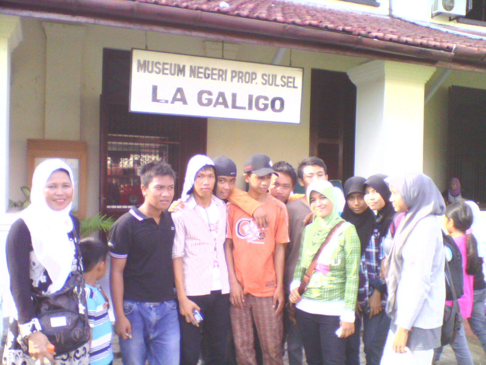 Wisata Ilmiah Man2 Pare Makassar Man2pare Depan Museum Lagaligo La