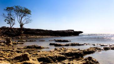 Menyimpan Keindahan Pantai Kuri Maros Dipenuhi Gugusan Batu Eksotik Diam