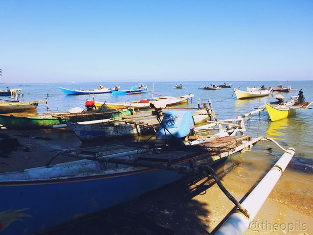 Tulisan Gambar Foto Menjemur Rumput Laut Kuri Caddi Perahu Nelayan