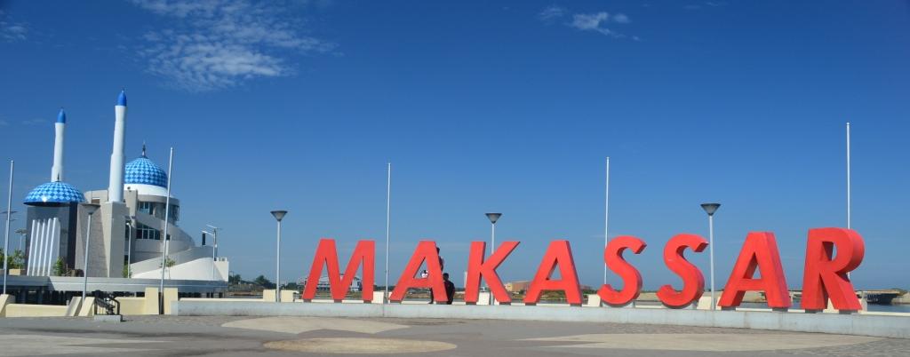 10 Hal Bisa Kamu Lakukan Ketika Liburan Makassar Pantai Losari