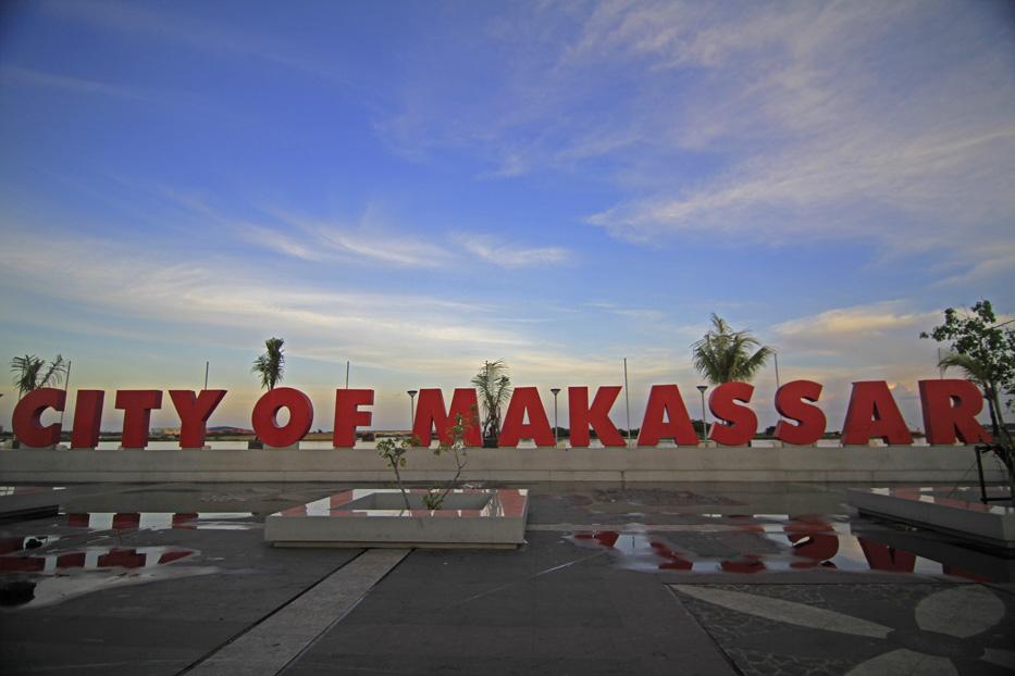 Inilah Alasan Makassar Kota Wajib Dikunjungi City Pantai Losari