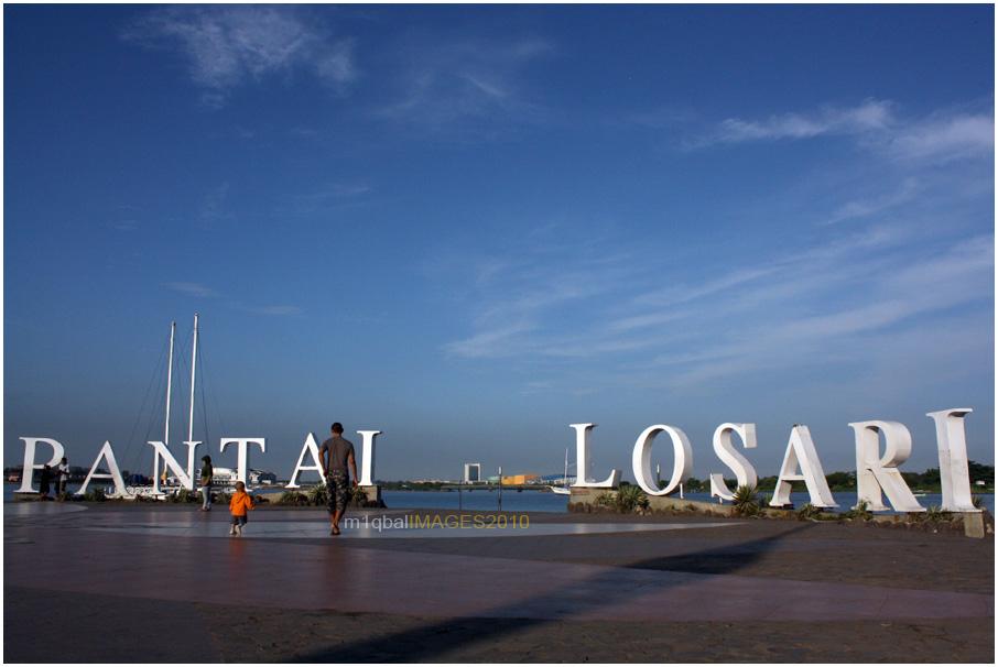 Pagi Petang Pantai Losari Makassar Haba Galak Pertama Kota