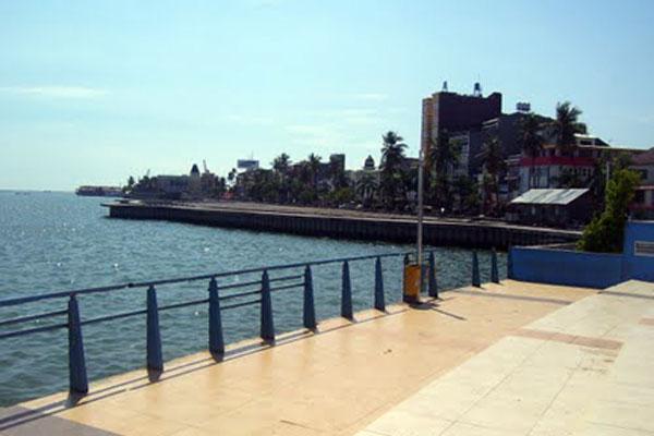Pantai Losari Ikon Kota Makassar Celebes Menu Masakan Laut Sepanjang