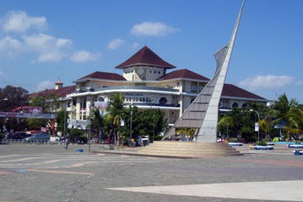 Pantai Losari Ikon Kota Makassar Celebes Rumah Sakit Stella Maris