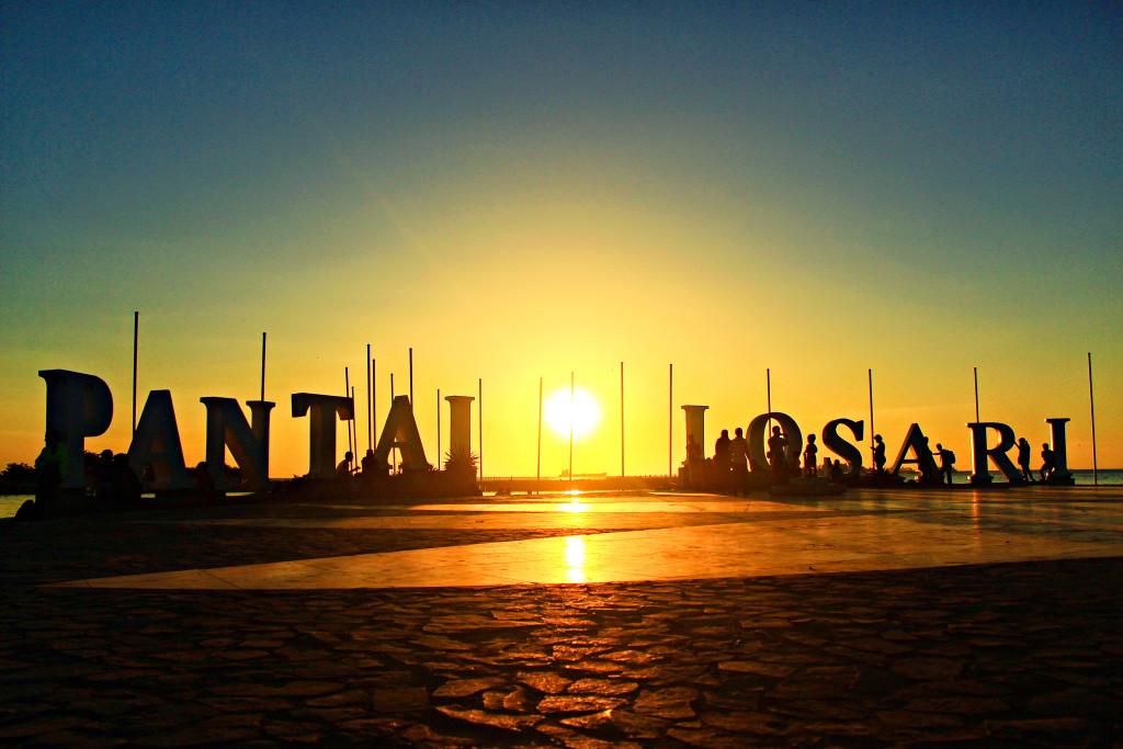 Pantai Losari Makassar Halal Tourism Kota