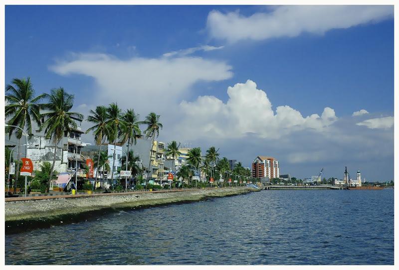 Pantai Losari Makassar Jolin Hotel Kota