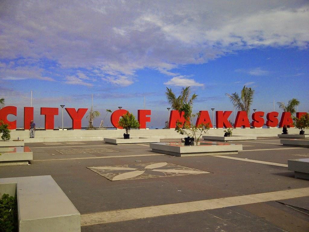Sisi Lain Anjungan Pantai Losari Triadicl Kota Makassar