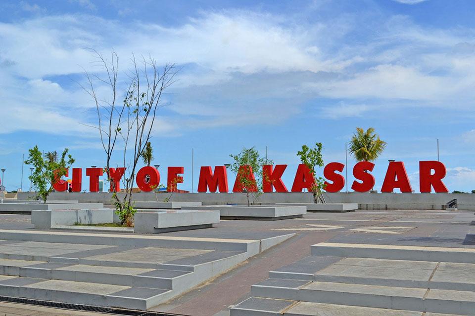 Tentang Kota Makassar Pantai Losari