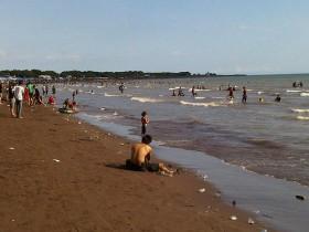 Bpbd Kota Makassar Siaga Pantai Tanjung Bayang Tribun Timur