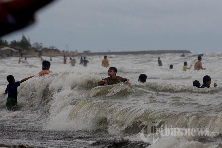 Dua Mahasiswa Unm Tenggelam Pantai Tanjung Bayang Foto 6 942351