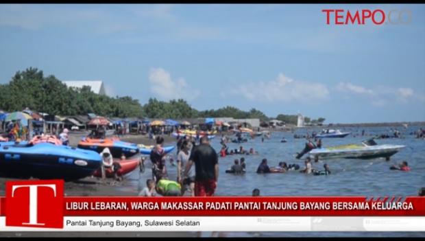 Libur Lebaran Warga Makassar Padati Pantai Tanjung Bayang Bersama Keluarga