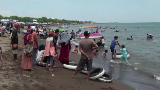 Melihat Pesona Pantai Tanjung Bayang Makassar Kota