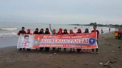 Pramuka Makassar Bersih Pantai Tanjung Bayang Tribun Timur Kota