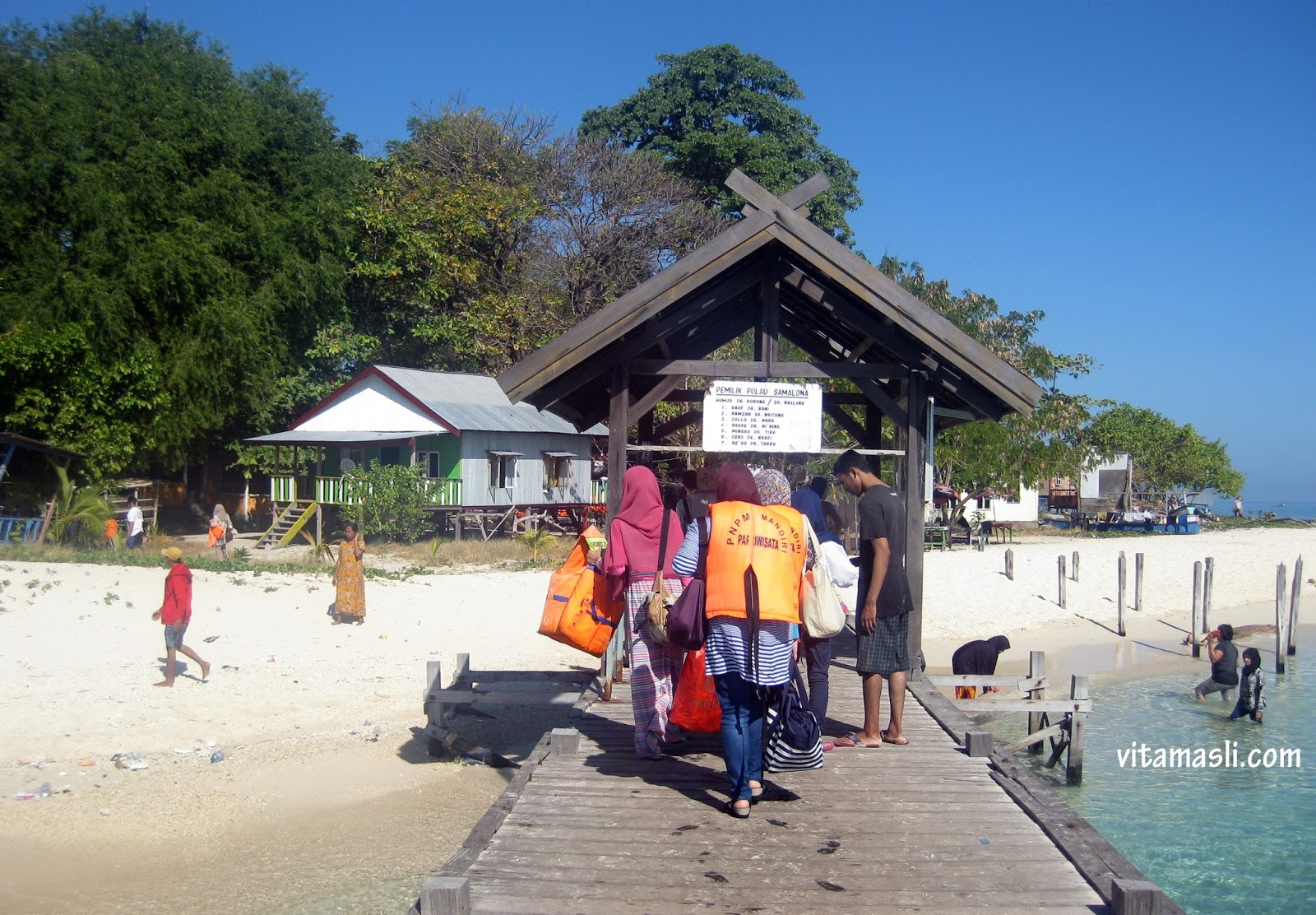 Destination Day Trip Samalona Island Step Flow Pulau Makassar Barrang