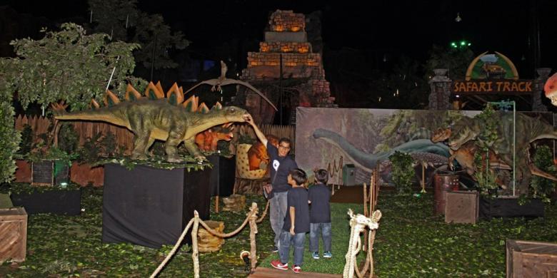 Animatronic Dinosaurus Wahana Terbaru Trans Studio Makassar Pengunjung Merasakan Hadir