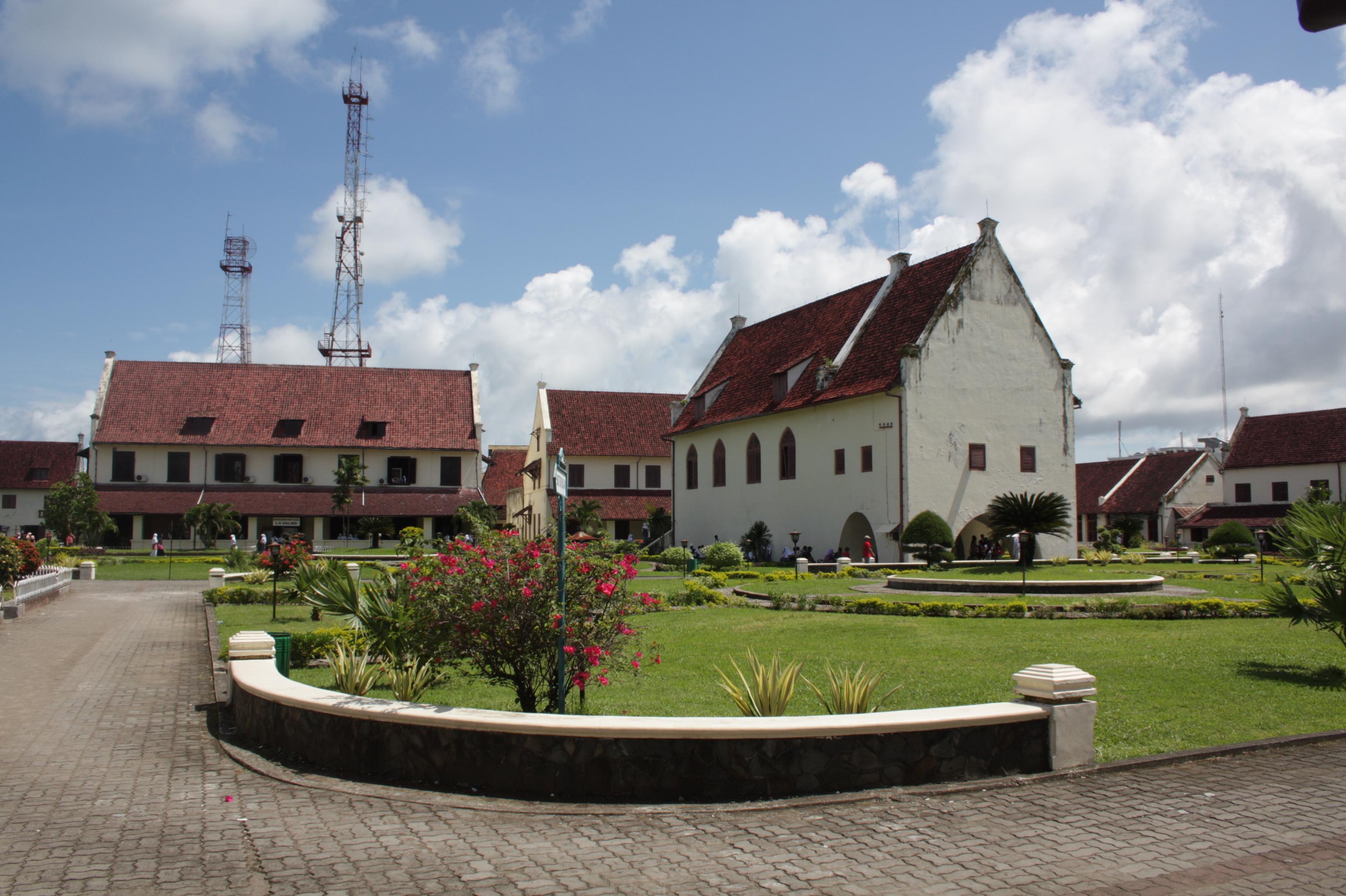 Hari 2 Trans Studio Makassar Jejak Kaki Fort Rotterdam Kota