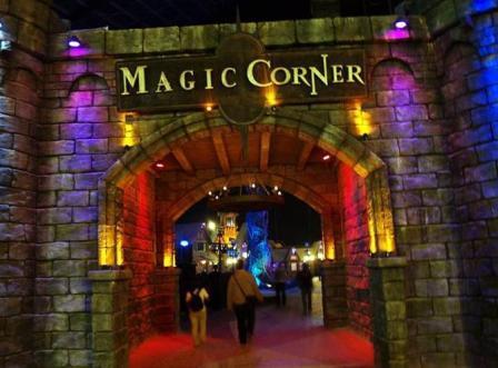 Trans Studio Makassar Tempat Liburan Keluarga Seru Sulsel Magic Corner