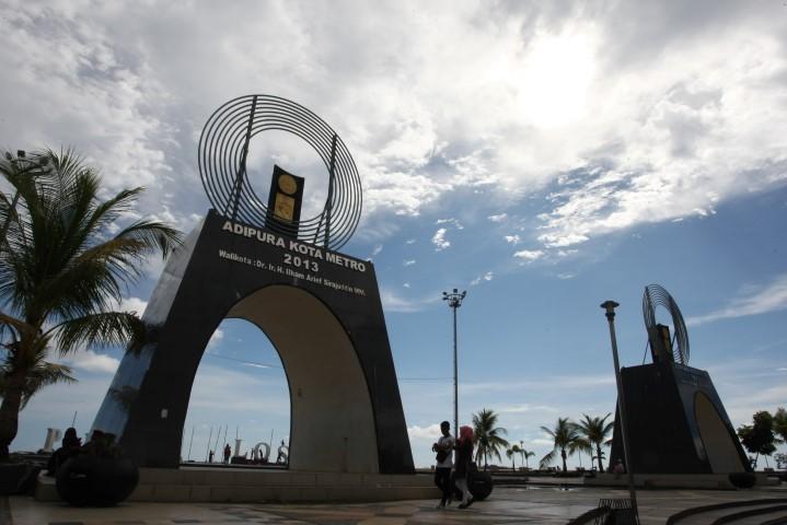 40 Tempat Wisata Makassar Sekitarnya Dekat Bandara Gowa Tugu Adipura