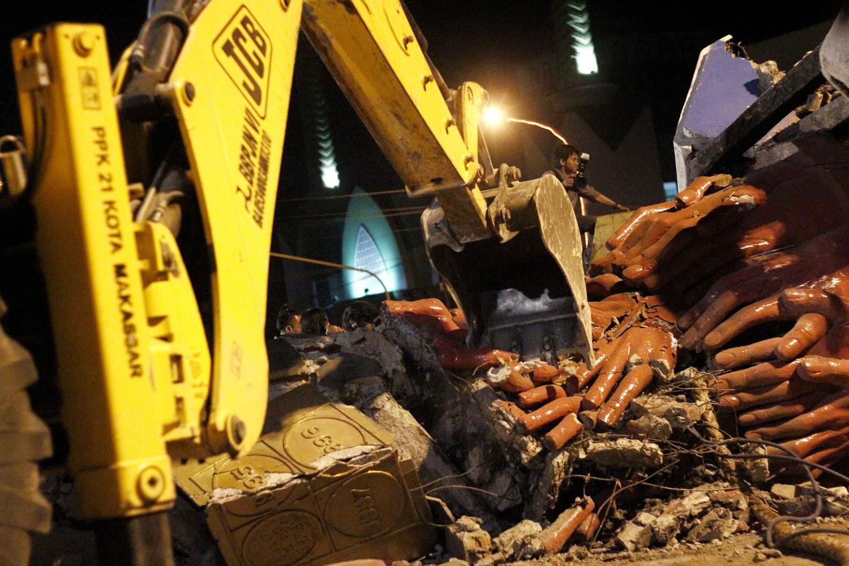 Adipura Simbol Kebersihan Hingga Kemacetan Porto Foto Makassar Menjaga Dibongkar