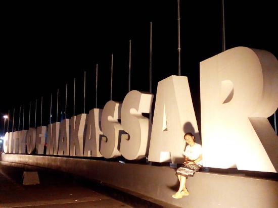 Anjungan Makassar Picture Losari Beach Tripadvisor Salah Satu Spot Pantai