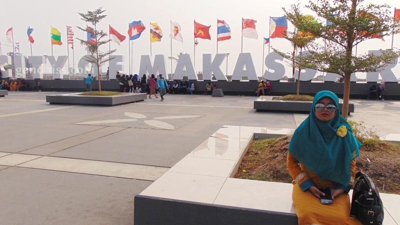 Anjungan Pantai Losari Makassar Gendhiss Blog City Tugu Adipura Kota