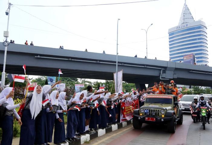Berita Kota Makassar Danny Buat Satu Tugu Lima Adipura Anjungan