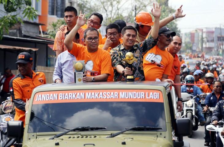 Berita Kota Makassar Danny Buat Satu Tugu Lima Adipura Posted
