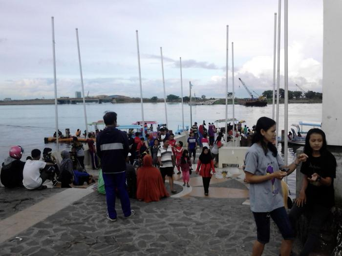 Pantai Losari Pagi Oleh Pical Gadi Kompasiana 14009851752066196934 Pemandangan Anjungan