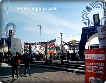 Serunya Festival Internasional F8 Pantai Losari Mugniar Note Gerbang Panggung