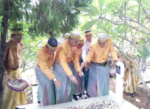 Foto Hut Makassar 409 Danny Ical Tampil Mesra Sekretaris Daerah