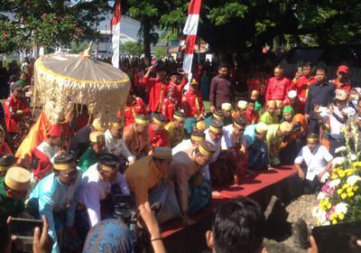 Hut Makassar Dirangkai Ziarah Makam Raja Tallo Danny Deng Ichal