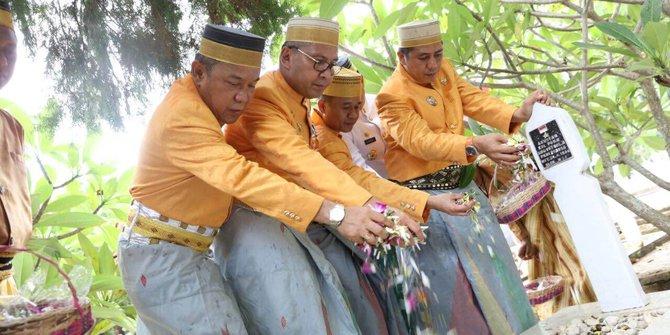 Hut Makassar Wali Kota Danny Ziarah Tmp Makam Raja Tallo