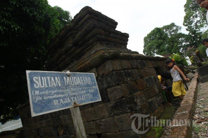 Makam Raja Tallo Foto 2 570131 Tribunnews 20130512 9180 Jpg