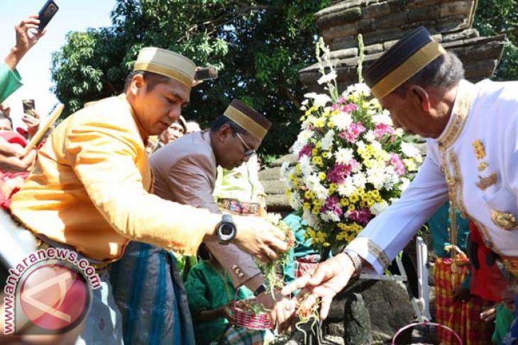 Pejabat Ziarah Makam Raja Hut Makassar Antara News Walikota Moh