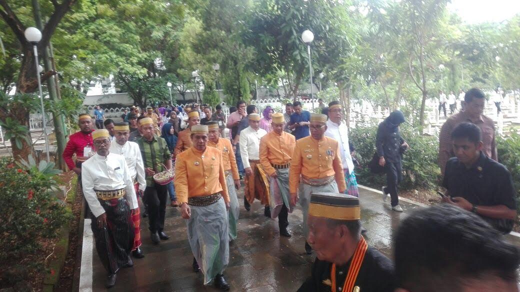 Peringati Hut Makassar Wali Kota Danny Wawali Syamsu Rizal Sekda
