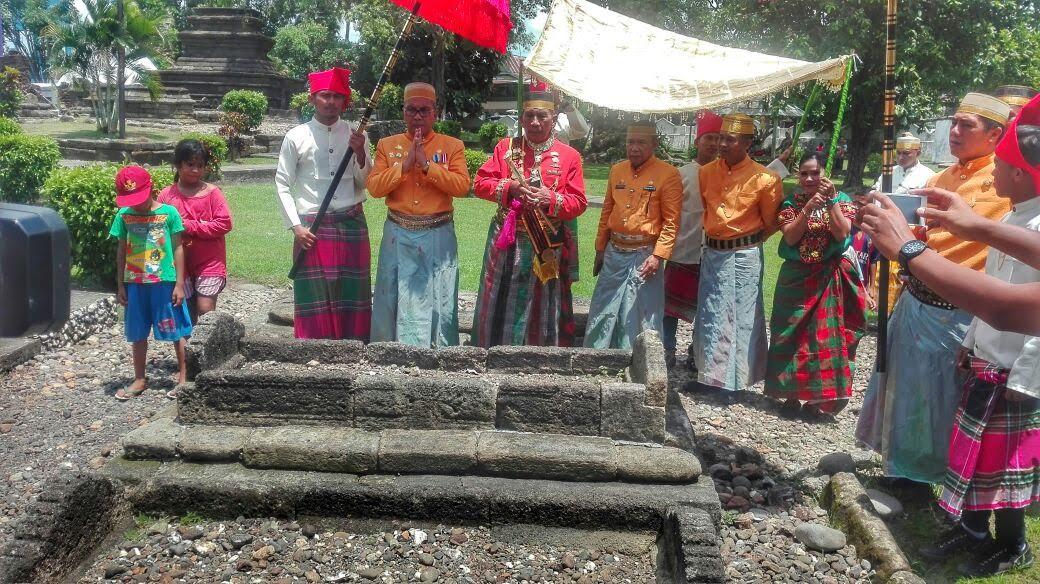 Peringati Hut Makassar Wali Kota Danny Wawali Syamsu Rizal Ziarah