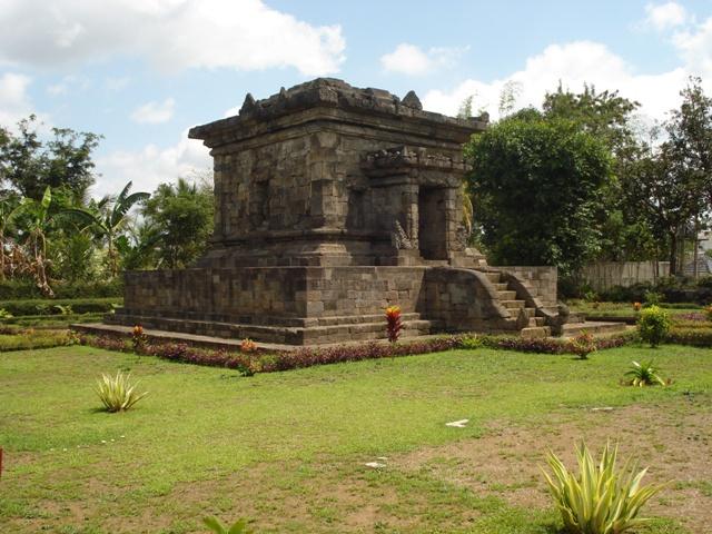 Historical Sites Office International Affairs Candi Badut 4 Sumberawan Kota