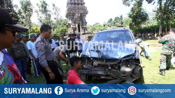 Keanehan Mobil Menabrak Candi Kidal Kabupaten Malang Hah Kok Bisa