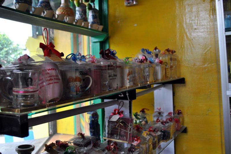 Hasil Keramik Kampoeng Wisata Dinoyo Malang Kampung Kota