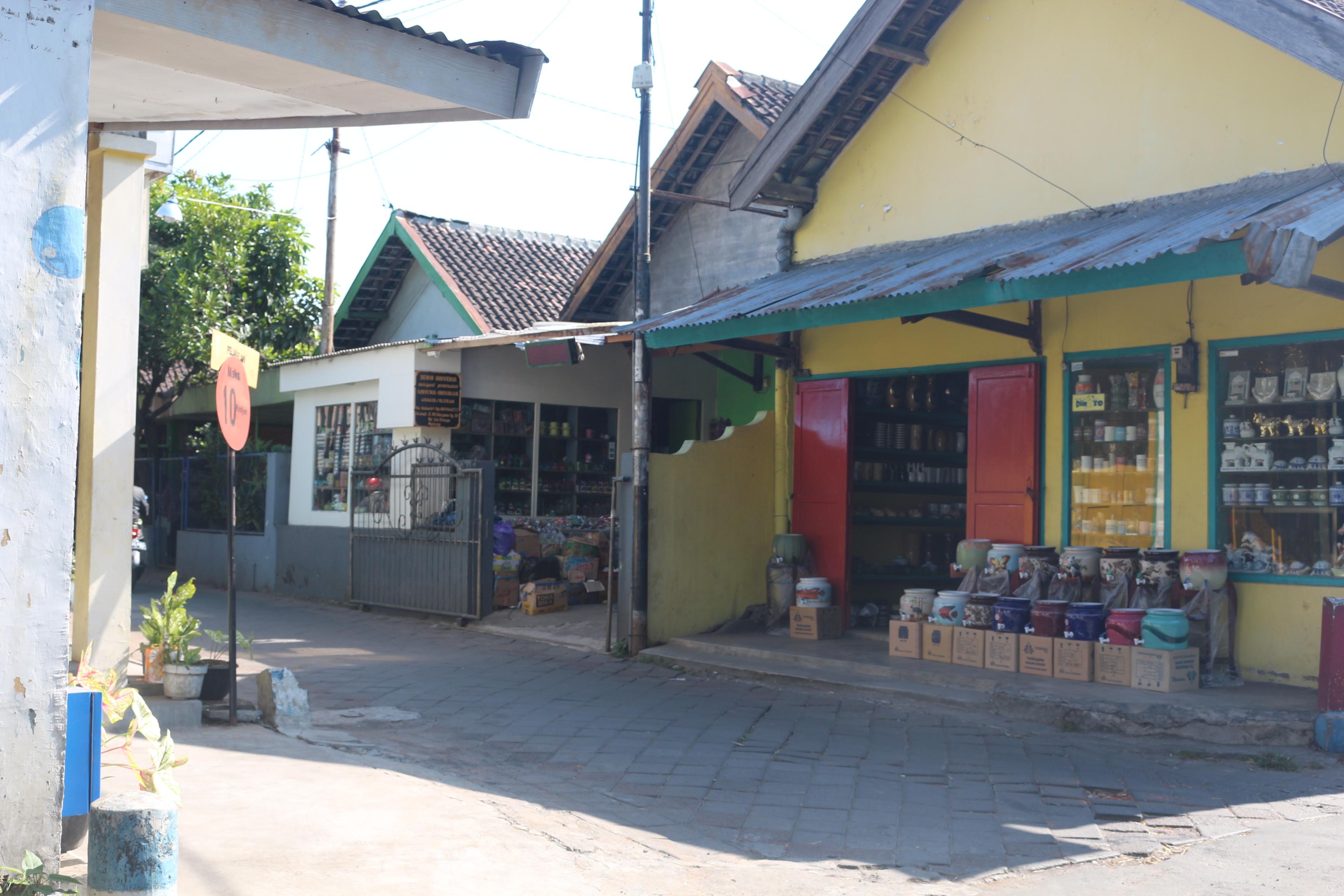 Kampung Wisata Keramik Dinoyo Aroundngalam Kota Malang Identik Sebagai Penghasil