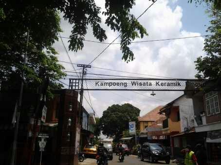 Kampung Wisata Keramik Dinoyo Tak Bersua Kota Malang