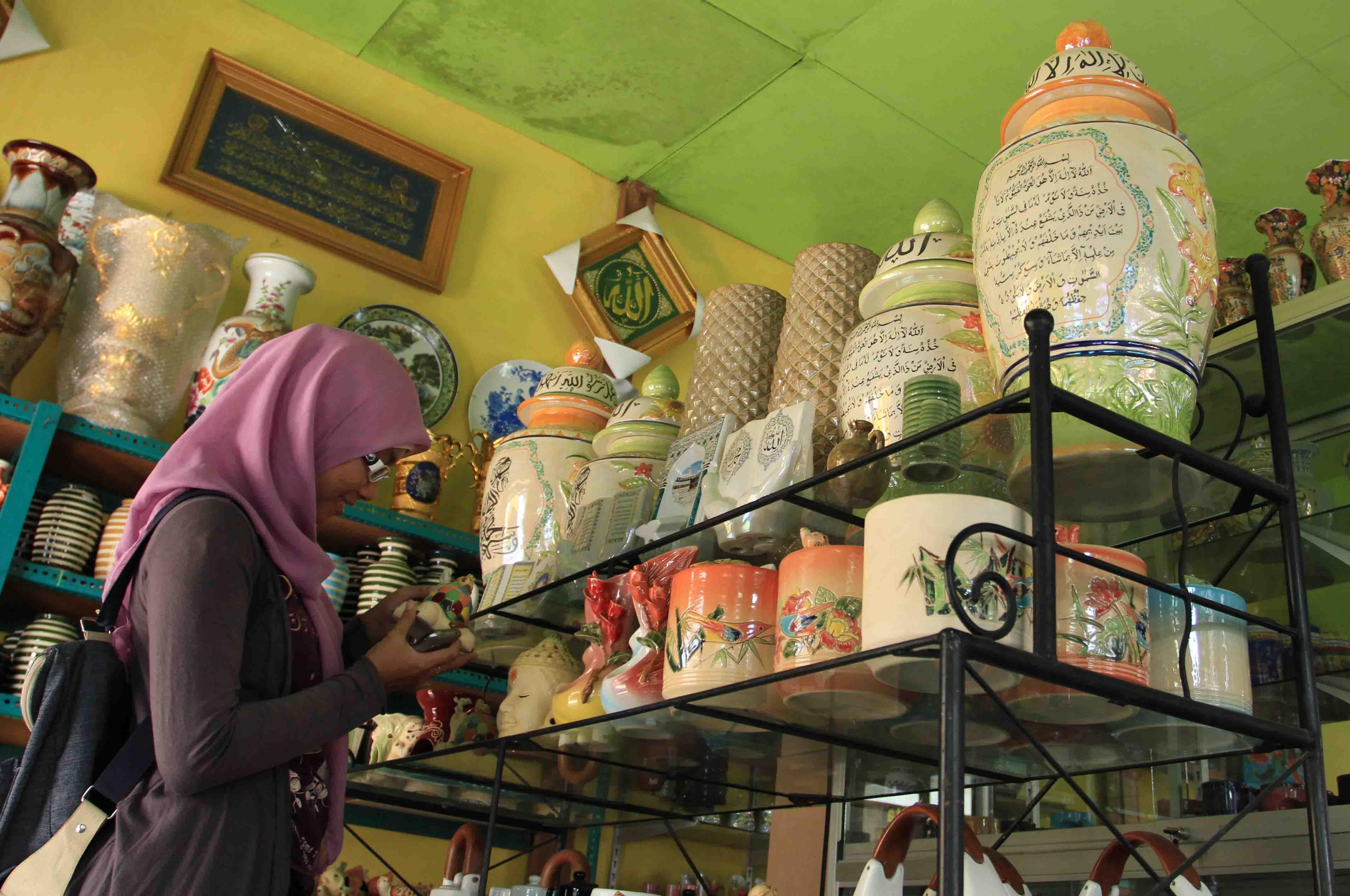 Keramik Dinoyo 1 Terakota Kampung Kota Malang