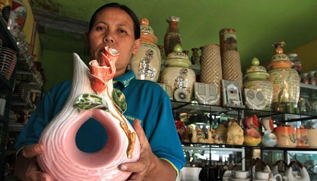 Menteri Lembong Optimistis Keramik Malang Bisa Bersaing Subur Laminah 43