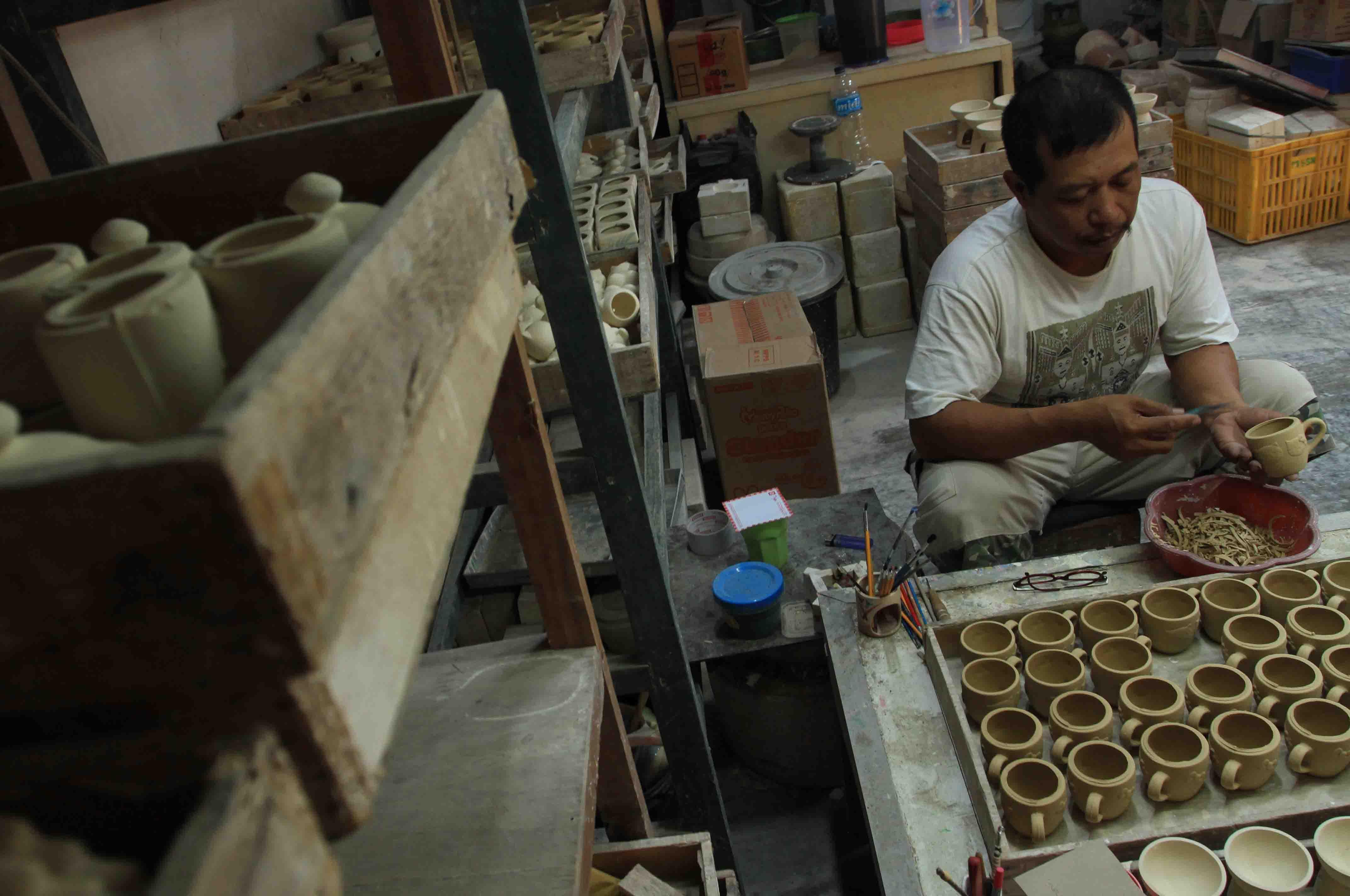 Menyusuri Kampung Keramik Dinoyo 1 Terakota Perajin Membuat Sentra Kota