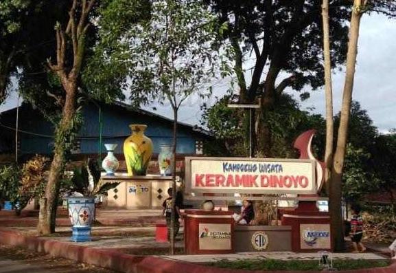 Oleh Khas Malang Buru Pelancong Kampung Lokasinya Searah Pusat Wisata