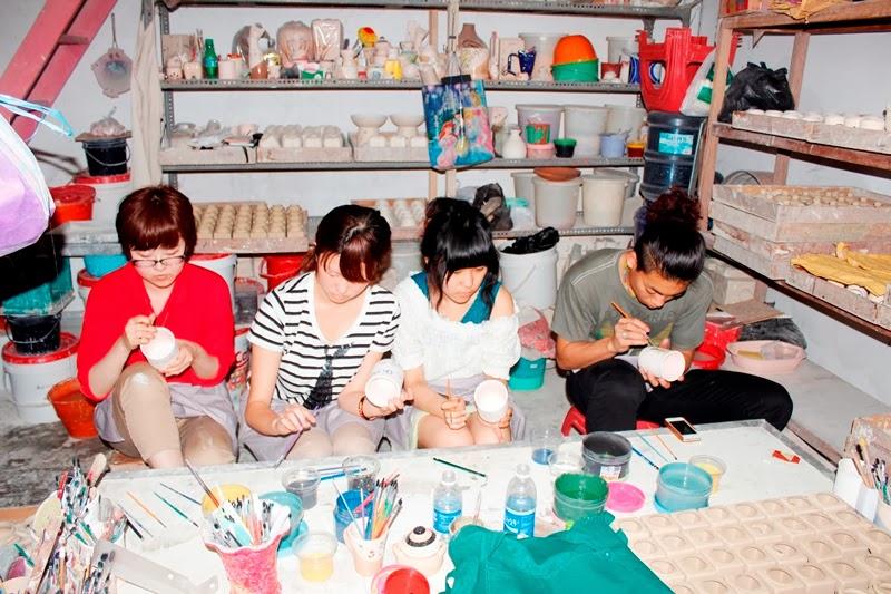 Souvenir Pernikahan Ulang Anak Mahasiswa Jepang Kerajinan Keramik Dinoyo Malang